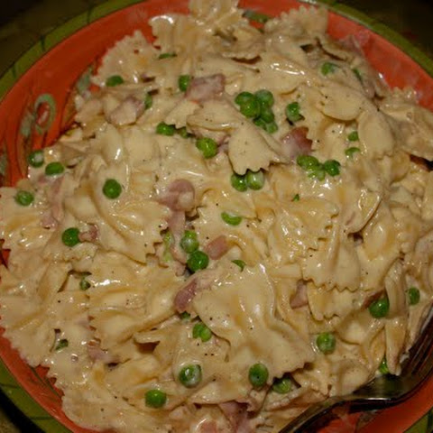 Pasta with Three Cheeses, Prosciutto and Peas