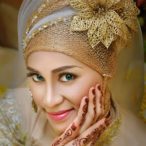 by Dian Susanti - People Portraits of Women