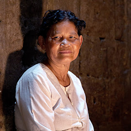 Cambodian woman in temple - Ankgor Wat by Rick Pelletier - Novices Only Portraits & People