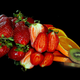 kiwi,orange and strawberry  by LADOCKi Elvira - Food & Drink Fruits & Vegetables ( orange, kiwi )