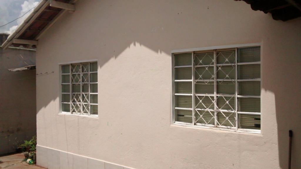 Casa residencial à venda, Laranjeiras, Uberlândia - CA0609.