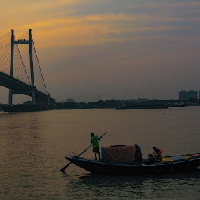 Hoogly bridge  kolkata by Hrijul Dey - Buildings & Architecture Bridges & Suspended Structures ( sunset, bridge, boats, ganges, landmark, landscape )