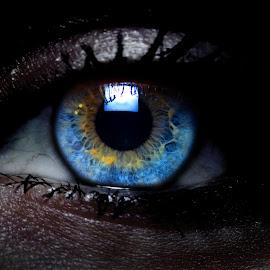 her eyes by Jimmy Armanidis - People Body Parts ( blue, beautiful eyes, blue yellow, eye, eyes )