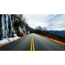 Today's beautiful drive through the mountains this morning. I originally stopped here before the sun rose and the icicles were gleaming in the dark! It was quite magical! The icicles towered over me as I felt captivated by their enchanting beauty! 😊    by Ashley Barlow - Instagram & Mobile Android ( outdooradventurephotos, thiswanderer, road, shenandoah, wanderlust, adventureculture, mountains, exploreva, rei1440project, wildernessbabes, lifeofadventure, welivetoexplore, outdoorwomen, liveauthentic, instagood, travelbug, adventurethatislife, loveva, outdoorlife, neverstopexploring, picoftheday, virginiaisforlovers, mytravelgram, alpinebabes, blueridgeparkway, simplyadventure, magical, radgirlslife, blueridgemountains, earthgirladventures, dametraveler )