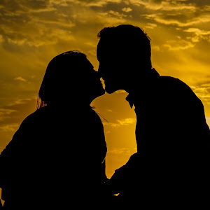 Couples Kiss.jpg