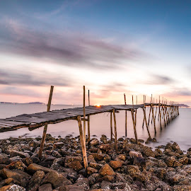 Sunrise on beach by Sơn Hải - Landscapes Sunsets & Sunrises ( water, viet nam, vietnam, rock, beach, sun, island, asian, sky, asia, cloud, long exposure, sunrise, bridge )