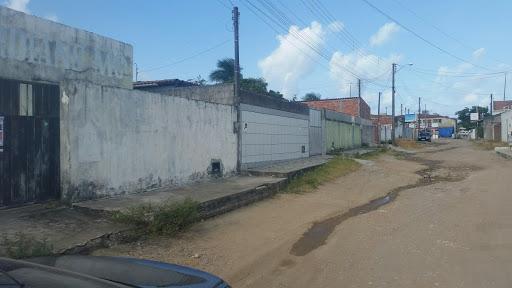 Casa com 2 dormitórios à venda, 200 m² por R$ 100.000  - João Pessoa Vendo ou troco em apto