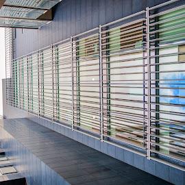 Looking up in dublin 2 by Paul Holmes - Buildings & Architecture Office Buildings & Hotels ( dublin, nikon d700, nikon 35mm f2 lens )