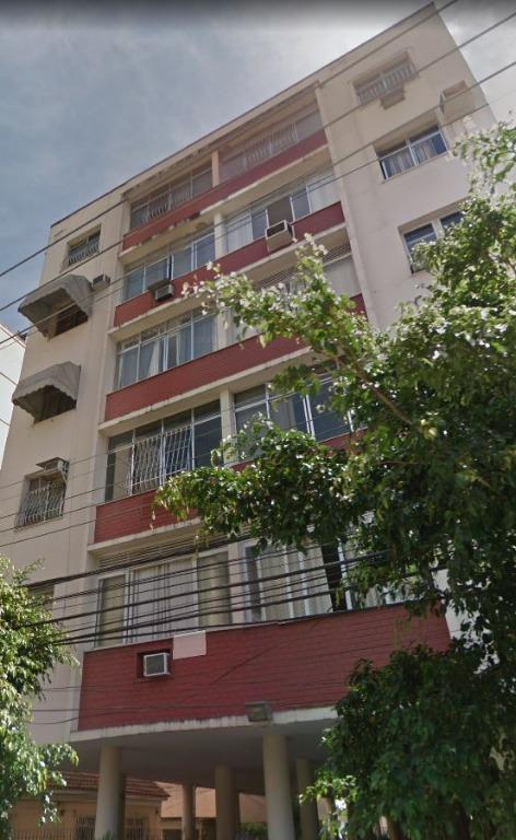 Apartamento Vazio, Junto ao Colégio Salesianos, Sala, 2 Qtos, Banho, Copa Cozinha, Área, Dependências Empregada, Vaga.