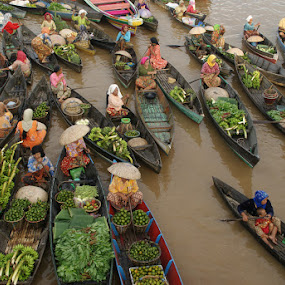 floating market banjarmasin by Muhammad Fakhriannur - News & Events World Events