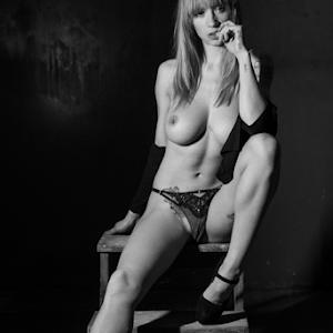 Natasha_©_by_Reto_Heiz-8496.jpg