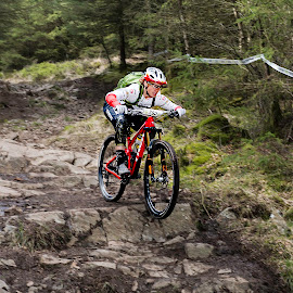 Tracy Moseley @ PMBA Enduro by Nick Moor - Sports & Fitness Cycling ( rock drop, pmba, grizdale, enduro, trek, tracy moseley )