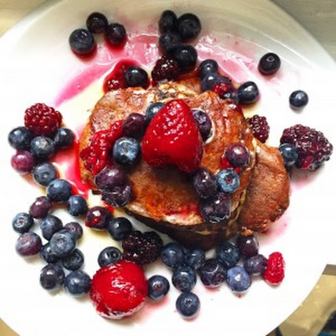 Low Carb Blueberry Protein Pancakes