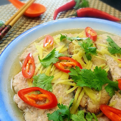 Steamed Pork with Salted Fish (鹹魚蒸肉餅)