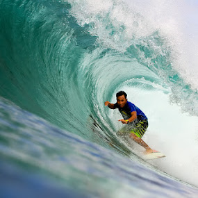 Putra H Barreled  by Trevor Murphy - Sports & Fitness Surfing