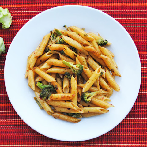 Spicy Penne with Broccoli and Garlic