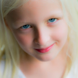 Look into my eyes by Richard States - Babies & Children Child Portraits ( child, girl, innocence, beauty, smile, portrait, eyes,  )