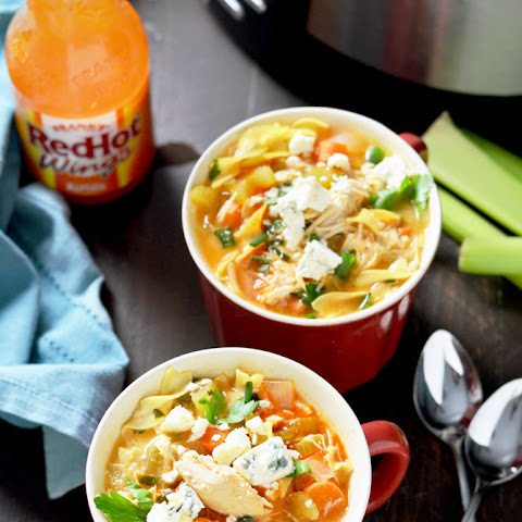 Slow Cooker Buffalo Chicken Noodle Soup