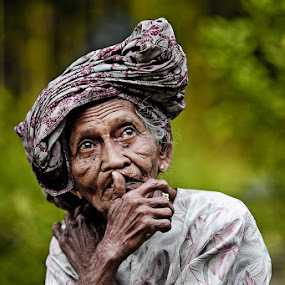 by Jari Foto - People Portraits of Women