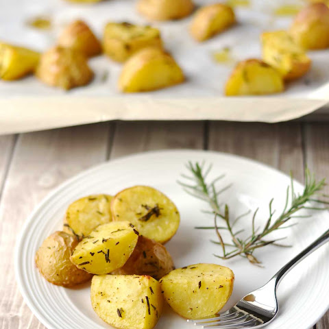 Garlic & Rosemary Roasted Potatoes