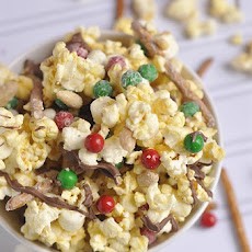 White Chocolate Popcorn – Quick Holiday Gift Idea
