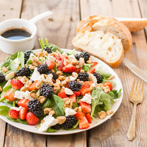 Fresh Berries & Spinach Salad