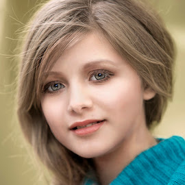 Child Model Chloe by Sylvester Fourroux - Babies & Children Child Portraits