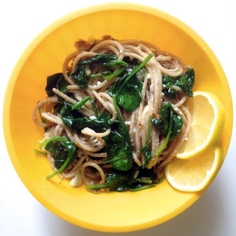 Lemon Spaghetti with Spinach, Feta & Walnuts