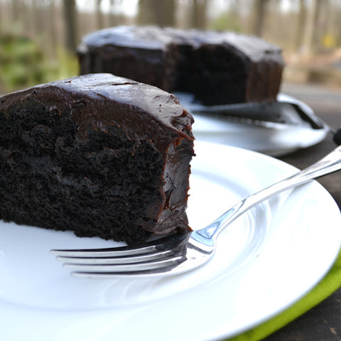 Make a Chocolate Cake With Avocado Instead of Eggs and Butter