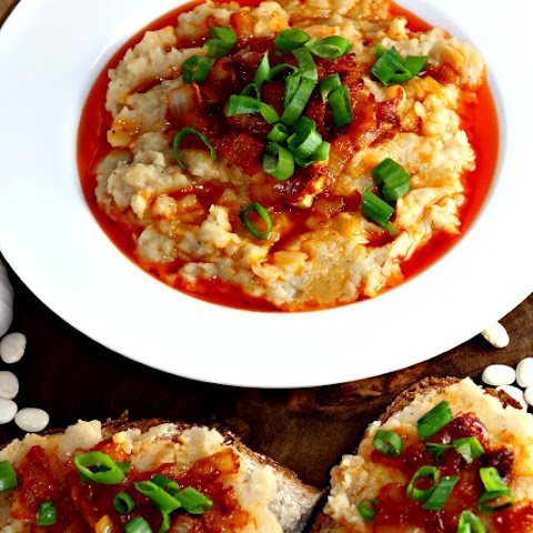 White bean dip with Caramelized Onions and Tomato Sauce
