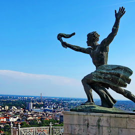 Statue 2 - Citadela,Budapest - Hungary by Andjela Miljan - Buildings & Architecture Statues & Monuments