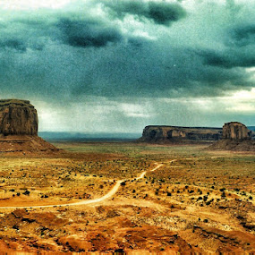 Thunderstorm in Monument Valley by Ingrid Dendievel - Landscapes Mountains & Hills ( monument valley, nature, thunderstorm, landscapes, usa )