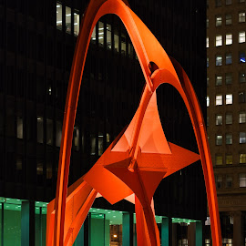 The Flamingo by Vinod Kalathil - Buildings & Architecture Statues & Monuments ( building, statue, night, chicago )