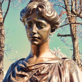 by Mike N Connie Holmes - Buildings & Architecture Statues & Monuments