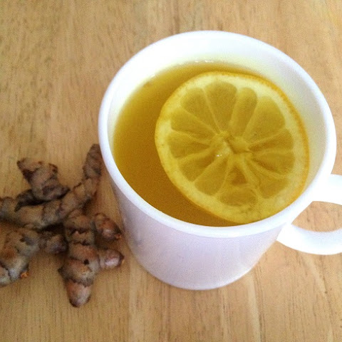 Turmeric, Ginger And Lemon Tea