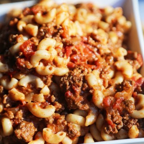 Crock Pot Chili Mac and Cheese