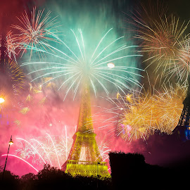 Eiffel by Cosmin Stahie - Digital Art Places ( feu, europe, artifice, 2015, national, eiffel, 14, fire, city, works, holiday, paris, julliet, tower, bastille, event, nationale, fireworks, night, d'artifice, july, france, day, jour, tour, light, fete )