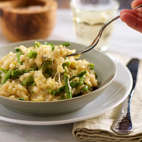 Cheesy Brown Rice Risotto with Leeks and Asparagus