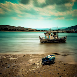 by Marianna Sklia - Transportation Boats