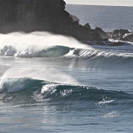 Nth  Avalon at its best by Frank Thompson - Sports & Fitness Surfing