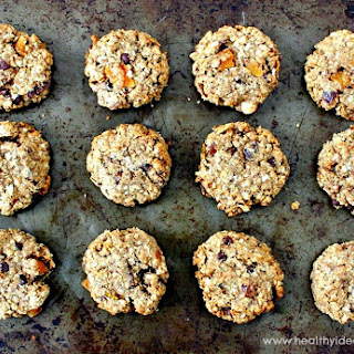 Breakfast Cookies with Dried Apricots and Dates