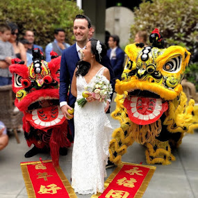 Australian Wedding Ceremony by Wan Loy Yeong - Wedding Other ( outdoor wedding, wedding photography, lion dance, melbourne, wedding day, wedding, australia, bride and groom, bride, chinese lion dance, chinese, wedding party, wedding ceremony,  )