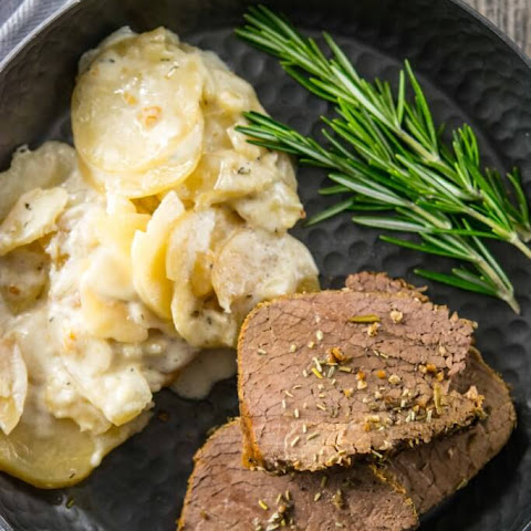 Slow Cooker Rosemary Garlic Crusted Roast Beef