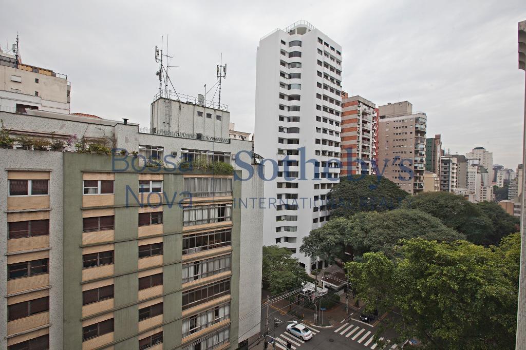 Impecável com reforma diferenciada ,  Jardim Paulista, São Paulo.