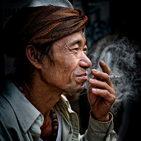 by Mdnoh Mnj - People Street & Candids ( senior citizen )