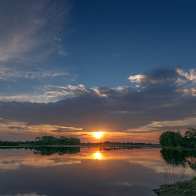 Yesterday's sunset by Rob Menting - Landscapes Sunsets & Sunrises ( water, canon, eos, europe, sky, 70d, sunset, limburg, weert, waterfront, sun, canon eos 70d )