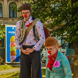 Clowns, long and short ... by Sakari Partio - People Musicians & Entertainers