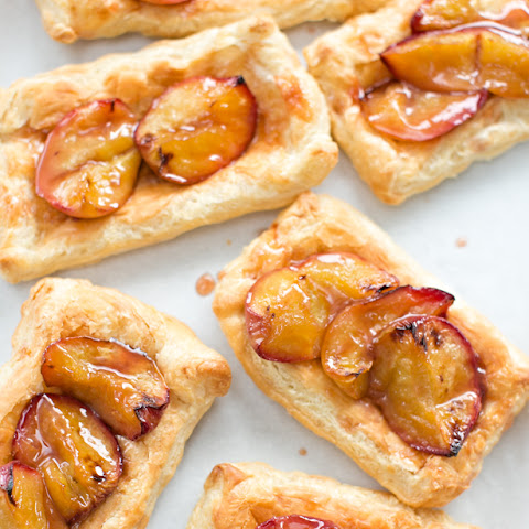 EASY ROASTED PEACH TARTS