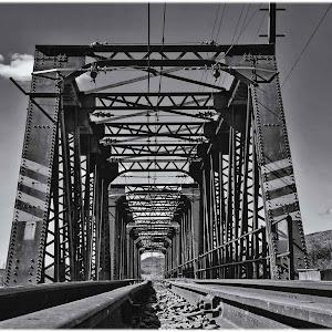 FB_Bridge_LowAngle_2016-08-20_B&W_01.JPG
