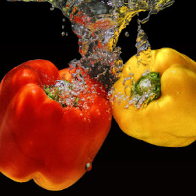 by Dimas N - Nature Up Close Gardens & Produce ( splash paprica )